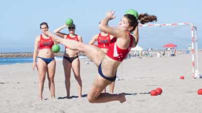 Oceanside-Beach-Handball-Tile