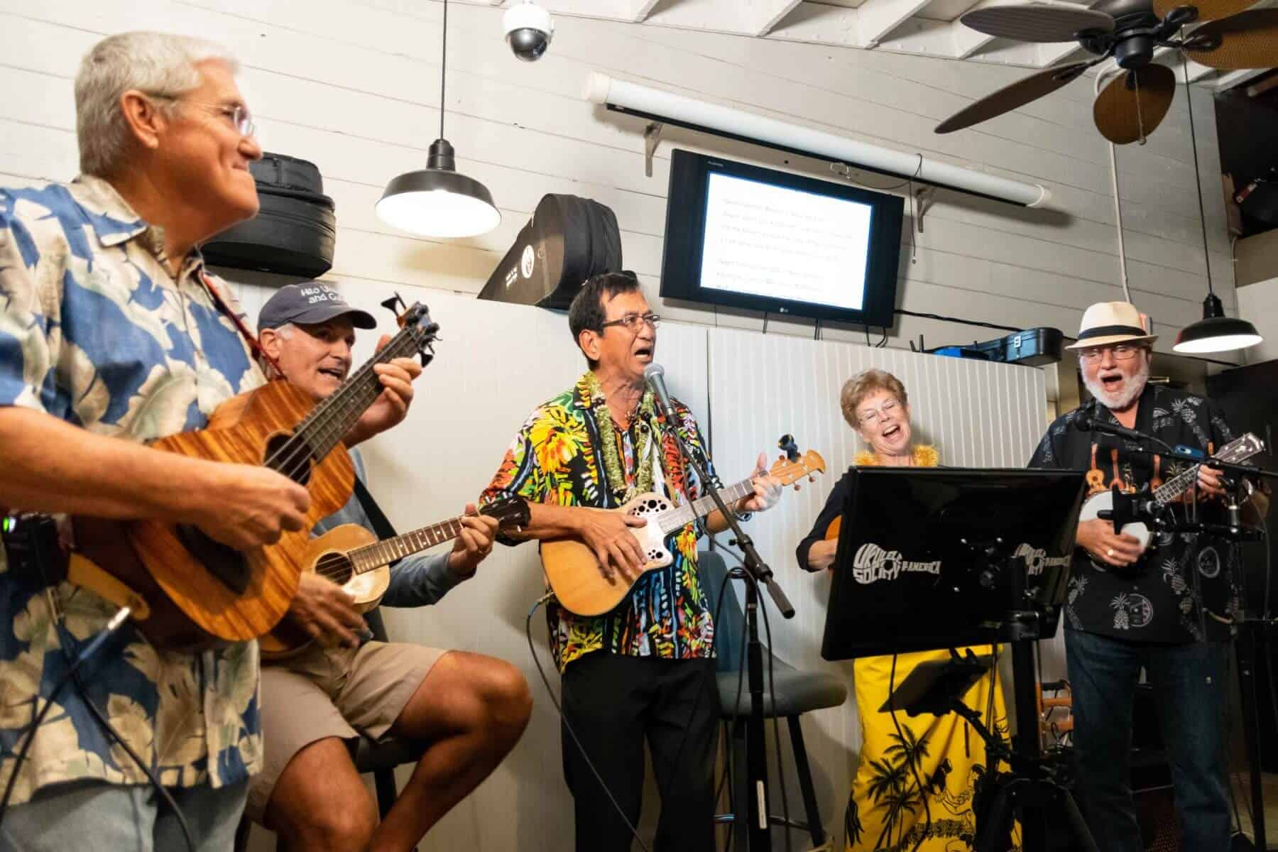 Ukulele Meet at Oceanside Broiler