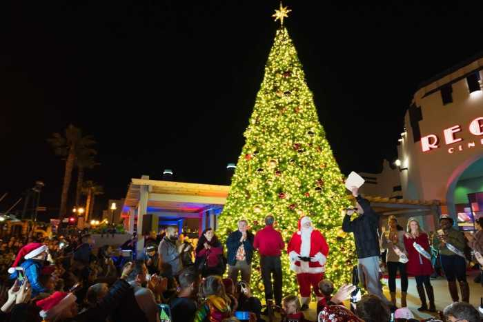 Holiday Tree Lighting Christmas Santa Mainstreet